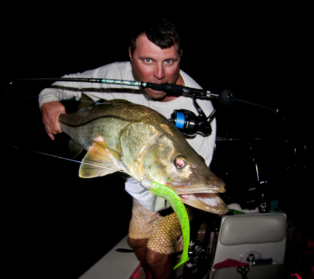 Jason-Snook-Jigging-Paddle-1024x911 Snook in the Darkness - Sewell Rod for Large Soft Baits Fishing Reports Product Reviews